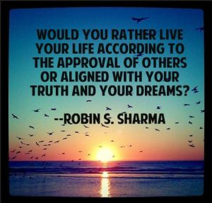 robin-sharma-quote-live-your-dreams
